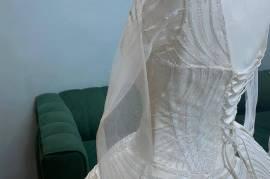فستان زواج فخم , أحذية وألبسة, ملابس النساء